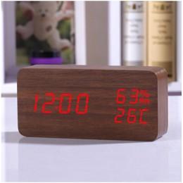 Drewniany zegar budzik z ledowym wyświetlaczem cyfrowy podświetlany kolorowy nowoczesny skandynawski